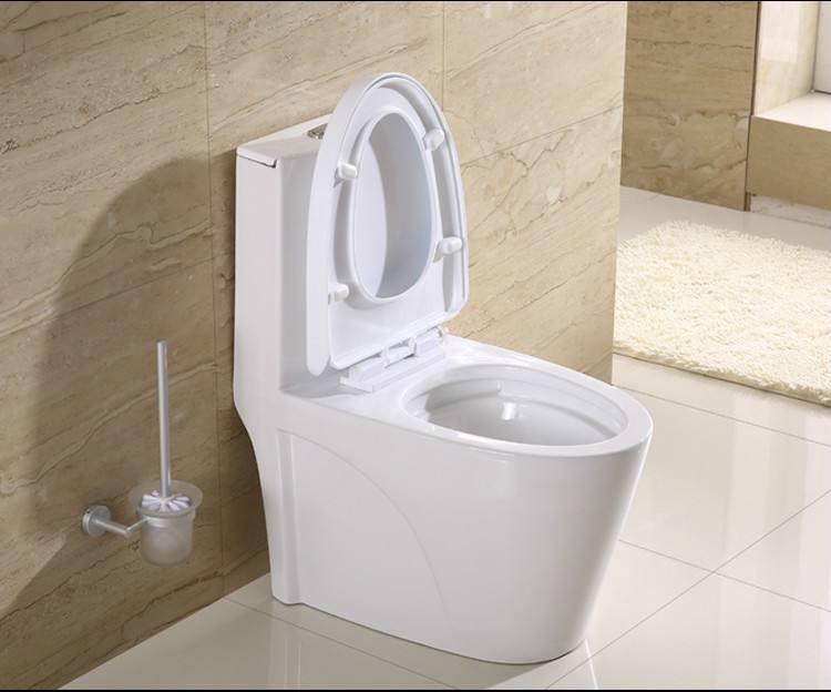 消费者花6万多元购买三套卫浴